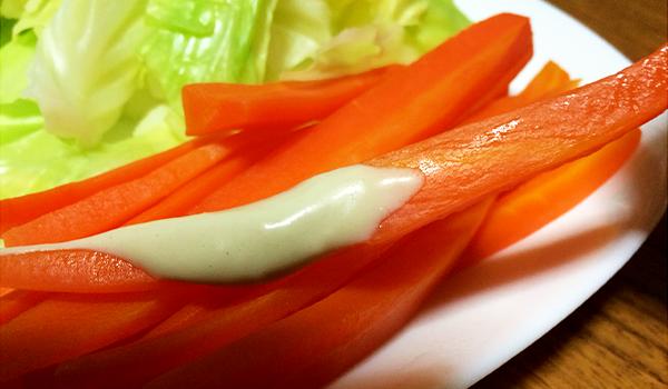 おしゃれな一皿に変わる「野菜が美味しい菜種ソース」を温野菜につけてみました。福岡県aiai